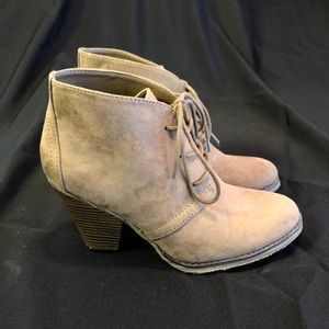 NEW brown suede heeled boots